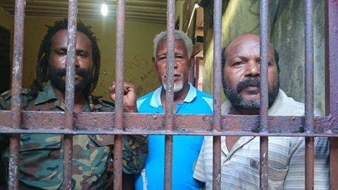 West-Papan-political-prisoners-in-Biak